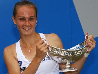 Magdalena-Rybarikova-AEGON-Classic-trophy_2317460