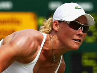 Samantha-Stosur-Wimbledon-2009-Day-Four_2321707